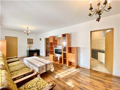 Apartament 2 camere si curte, acces separat, central, ploiesti
