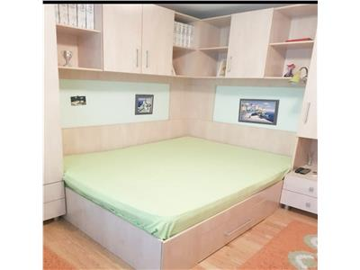 Apartament 2 camere, spatios, zona parc Moghioros, se preda renovat
