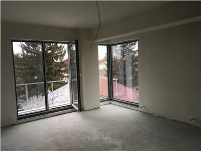 Apartament 3 camere 2 bai decomandat damaroaia neajlovului