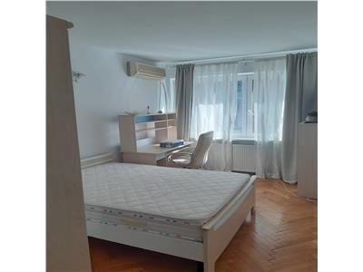 Apartament 3 camere,Stefan cel Mare,3 min metrou,prima inchiriere
