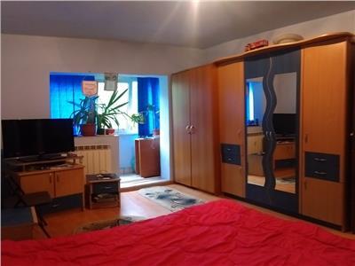 Apartament 3 camere - CALINESTI