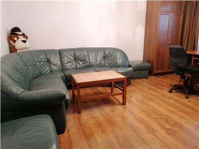 Apartament 3 camere, capat 1,c-tin gane !