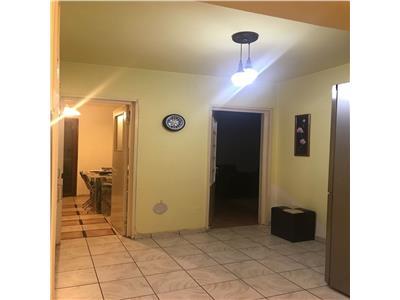 Apartament 3 camere, cf. 1, decomandat, 77 mp intrarea castor ploiesti