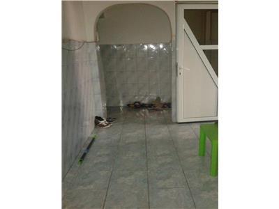 Apartament 3 camere craiovei-comisariat, j-uri, et 1/4 Pitesti