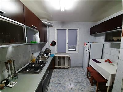Apartament 3 camere de inchiriat Titan zoan Metrou Titan