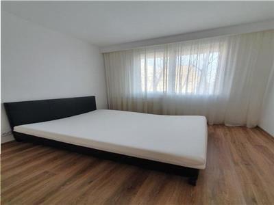 Apartament 3 camere de inchiriat titan zona  scoala gimnaziala 116