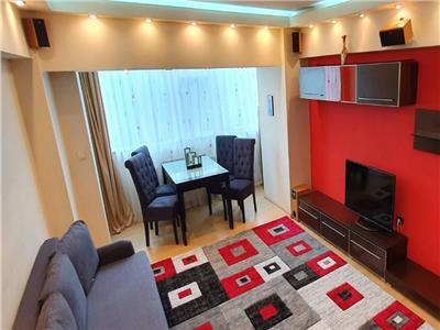Apartament 3 camere de inchiriat zona Decebal