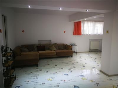 Apartament 3 camere de inchiriat zona Gorjului