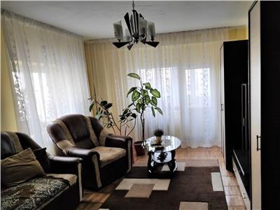 Apartament 3 camere de vanzare bd decebal zona piata alba iulia