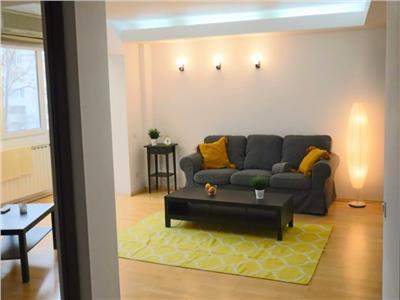 Apartament 3 camere de vanzare decebal