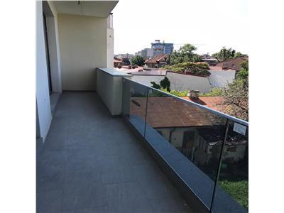 Apartament 3 camere de vanzare eminescu decomandat balcon