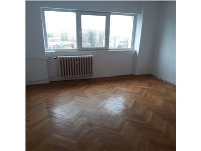 Apartament 3 camere de vanzare morarilor decomandat
