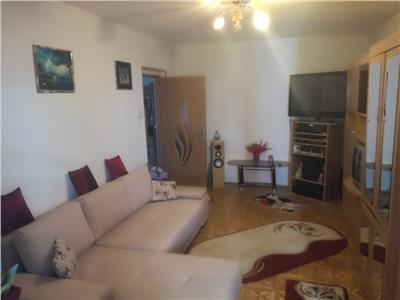 Apartament 3 camere de vanzare pantelimon decomandat