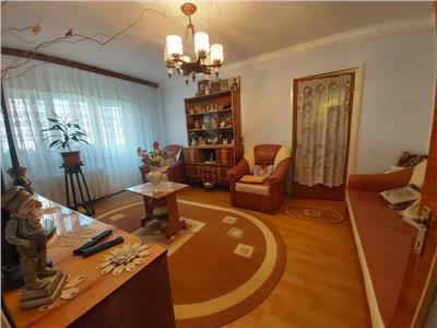 Apartament 3 camere de vanzare Titan zona Basarabia