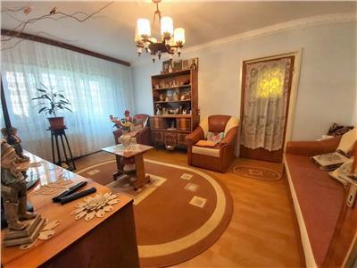 Apartament 3 camere de vanzare Titan zona Diham