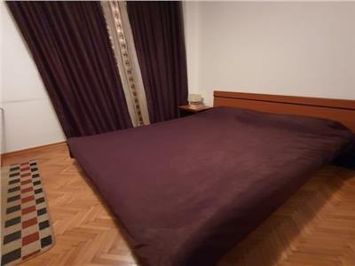 Apartament 3 camere de vanzare zona Dristor - Baba Novac