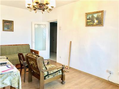 Apartament 3 camere, decomandat, 2 gr. sanitare, Cantacuzino, Ploiesti