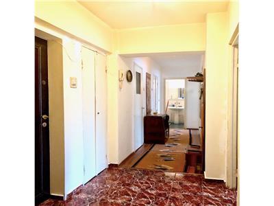 Apartament 3 camere decomandat, 2 gr. sanitare, ultracentral, ploiesti