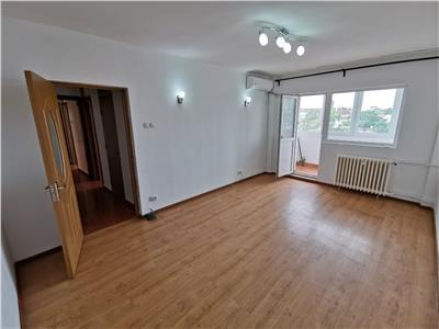 Apartament 3 camere decomandat 7 min metrou piata iancului , nemobilat
