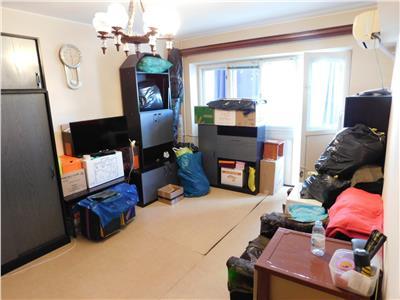 Apartament 3 camere decomandat - bloc 1977 - Parc Titan