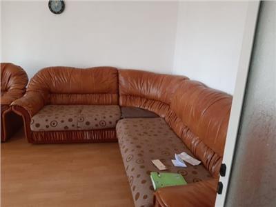 Apartament 3 camere decomandat de inchiriat