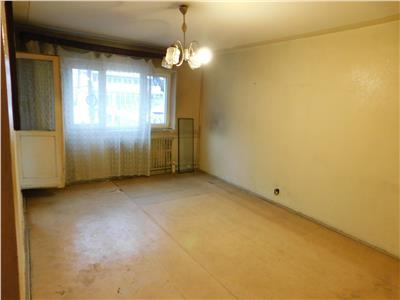 Apartament 3 camere decomandat et 1/4 - bloc 1982 - Bl. Basarabia