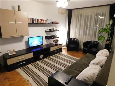 Apartament 3 camere decomandat - etaj 1 - Metrou 1 Decembrie