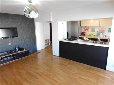 Apartament 3 camere decomandat etaj 4/10 - bl. Unirii - Zepter