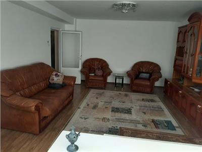 Apartament 3 camere - decomandat in M 2