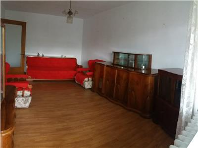 Apartament 3 camere decomandat in m 9