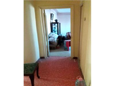 Apartament- 3 camere decomandat- m4