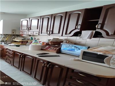 Apartament 3 camere, decomandat, marchian!