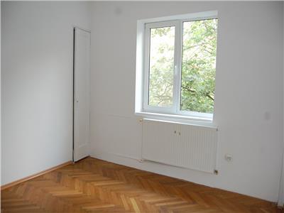Apartament 3 camere decomandat salaj