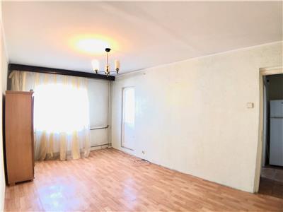 Apartament 3 camere, decomandat, stradal democratiei, ploiesti