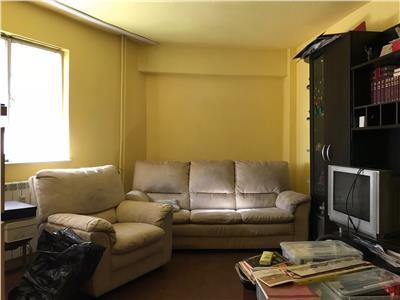 Apartament 3 camere, decomandat, zona ultracentrala, Ploiesti