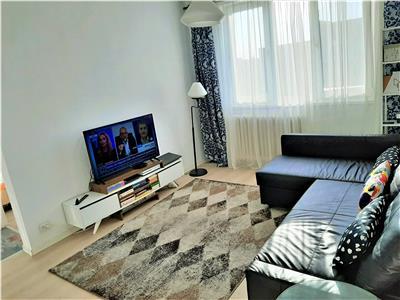 Apartament 3 camere et 10/11+ boxa