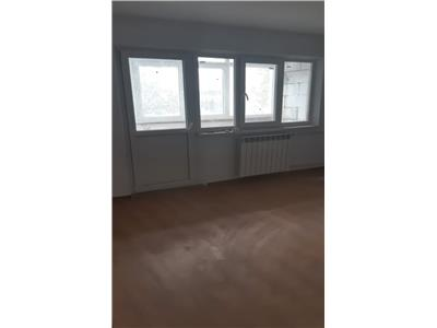 Apartament 3 camere, etaj 3, stejari!