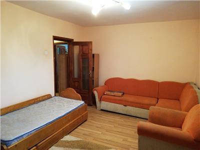 Apartament 3 camere, etaj 3, zona Bucovina!