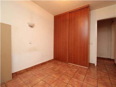 Apartament 3 camere ghencea - capat 41 - 1982 - 2 bai - reabilitat