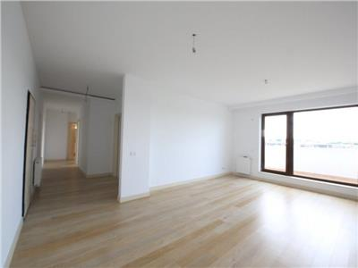 Apartament tip penthouse 3 camere hereastrau-sat francez