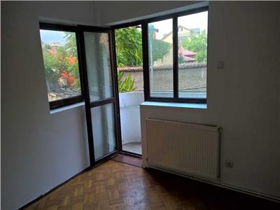 Apartament 3 camere in vila nemobilat etaj 1 Dacia / Eminescu