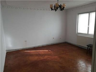 Apartament 3 camere - m 4