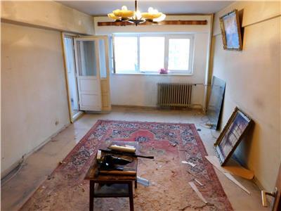 Apartament 3 camere Magheru etaj 6 - bloc 1982 - Piata Romana