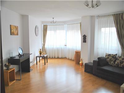 Apartament 3 camere, langa Marriott, centrala proprie, parcare