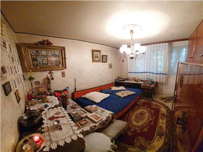 Apartament 3 camere - metrou 1 decembrie