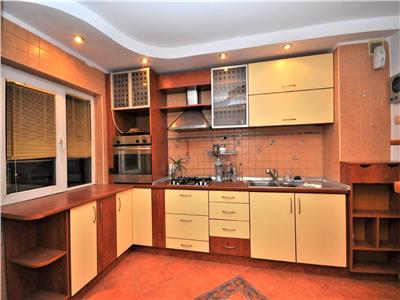 Apartament 3 camere decomandat 2 bai bloc anvelopat lujerului