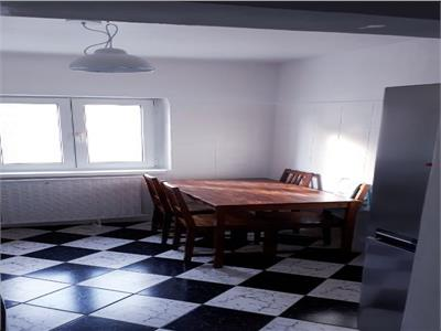Inchiriere Apartament 3 camere,3 minute metrou Aurel Vlaicu,decomandat