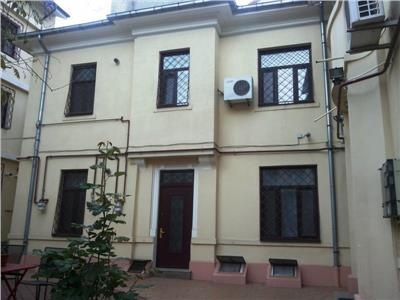 Apartament 3 camere - Pretabil Firma - Str. Berzei