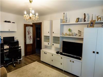 Apartament 3 camere renovat ultramodern etaj 1 !!!