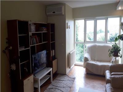 Apartament 3 camere,P-ta Delfinului, decomandat, 2 bai, 82 mp